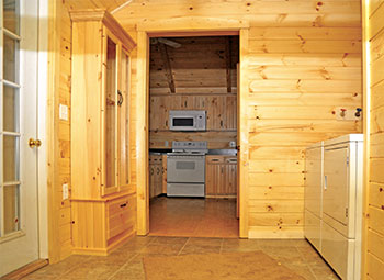 Pine Creek Cabin Laundry and Mud Room