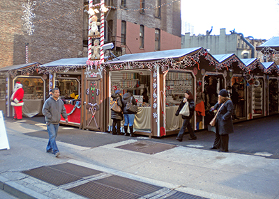 New York Shopping Village Vendor Units