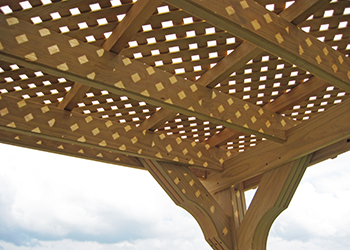 lattice roof on wood pergola for partial shade
