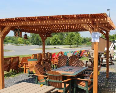 Pine Creek 12x12 Pergola with Redwood stain, and privacy lattice top